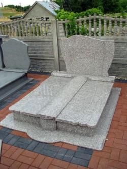 nagrobki-granitowe-szczecin-kambud-rodzinne-R105.jpg