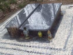 nagrobki-granitowe-szczecin-kambud-rodzinne-R242.jpg